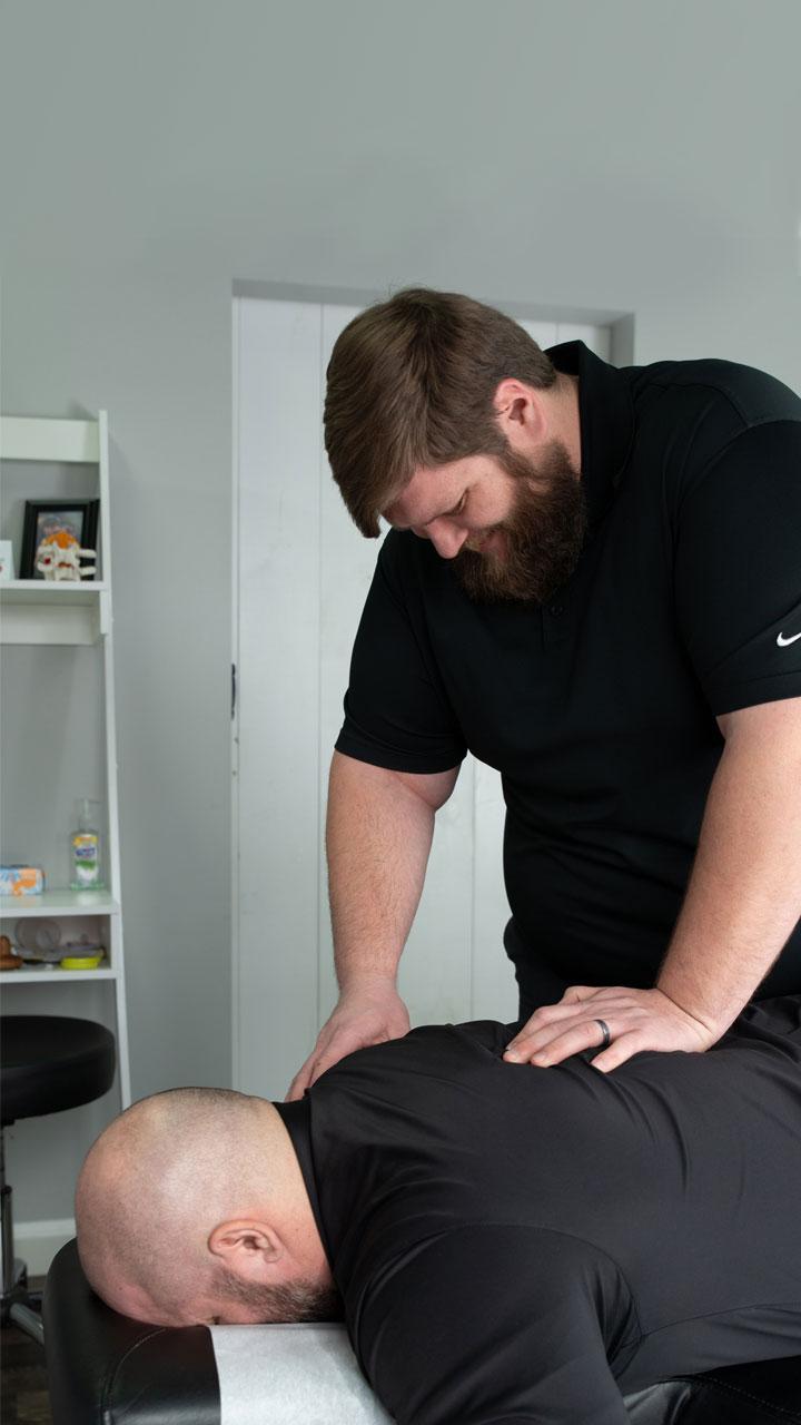 Truecare Chiropractic Lansing MI: Back Pain